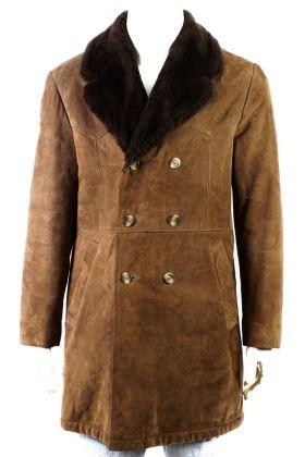 Vintage Mantel -M-